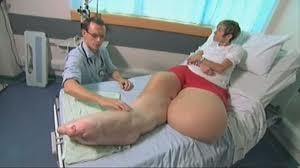 Mandy Sellars en consulta médica.
